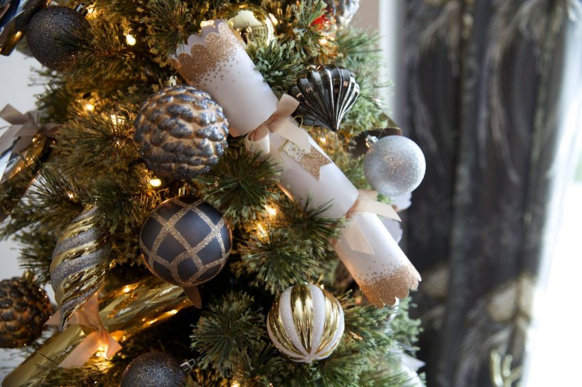 How To Decorate A Small Space For The Holidays! - The Toronto Star