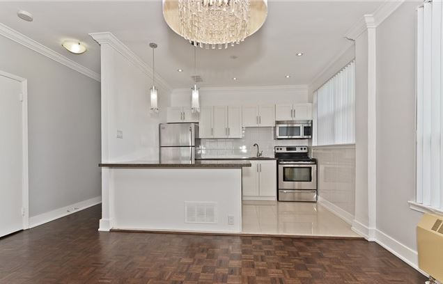 Renovated 3 Bedroom Penthouse In Prestigious Forest Hill For Lease!